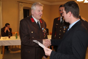 Verleihung der Bezirksverdienstmedaille der 2. Stufe an Matthäus Schasching